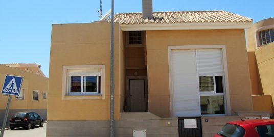 4 bedroom attached villa in Los Belones