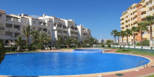 Three bedroom penthouse with a large terrace in Tomás Maestre