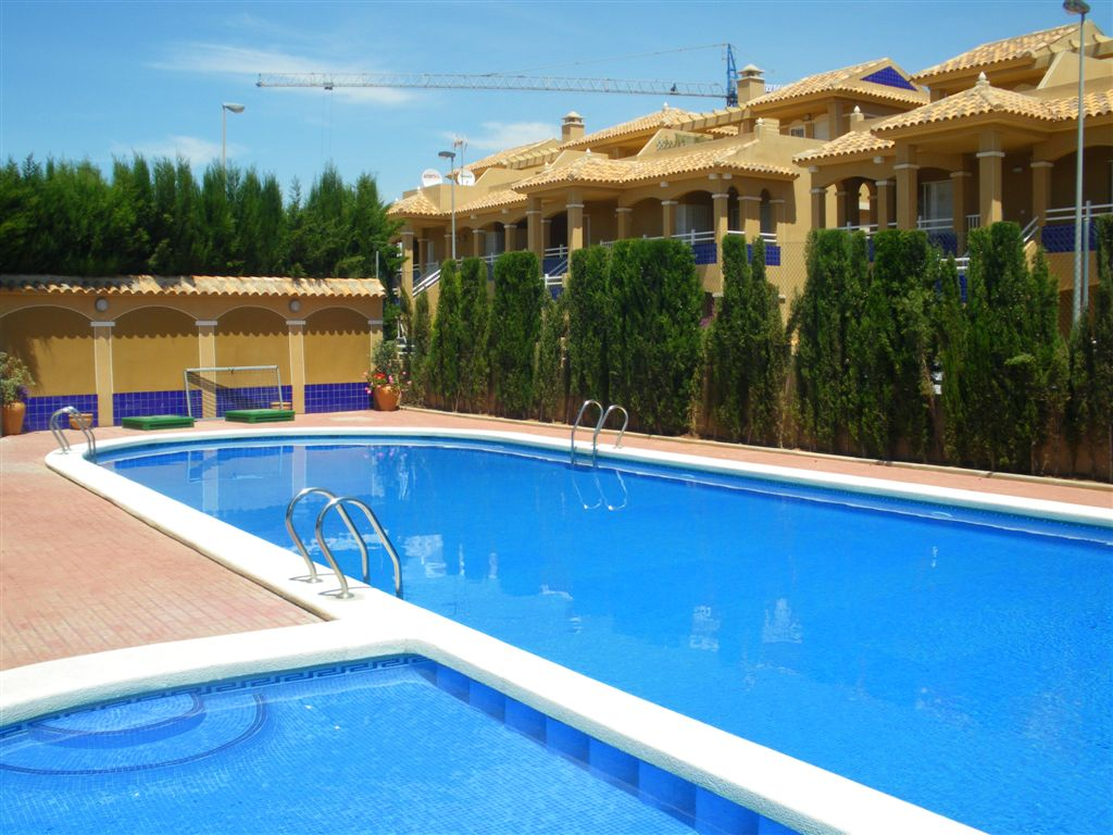 Two bedroom ground floor apartment with pool in La Unión