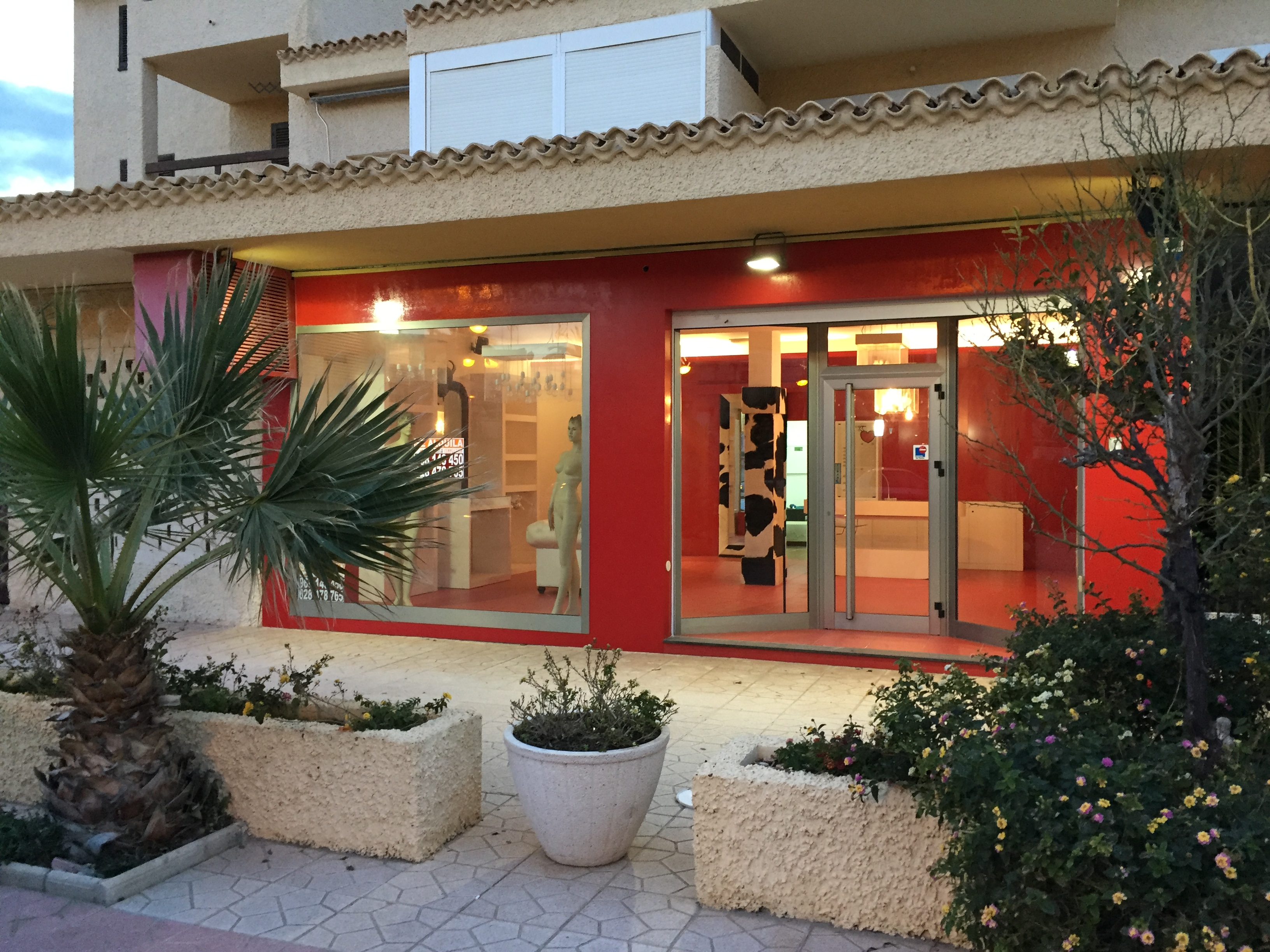 Attractive retail unit available for rent in Plaza Bohemia