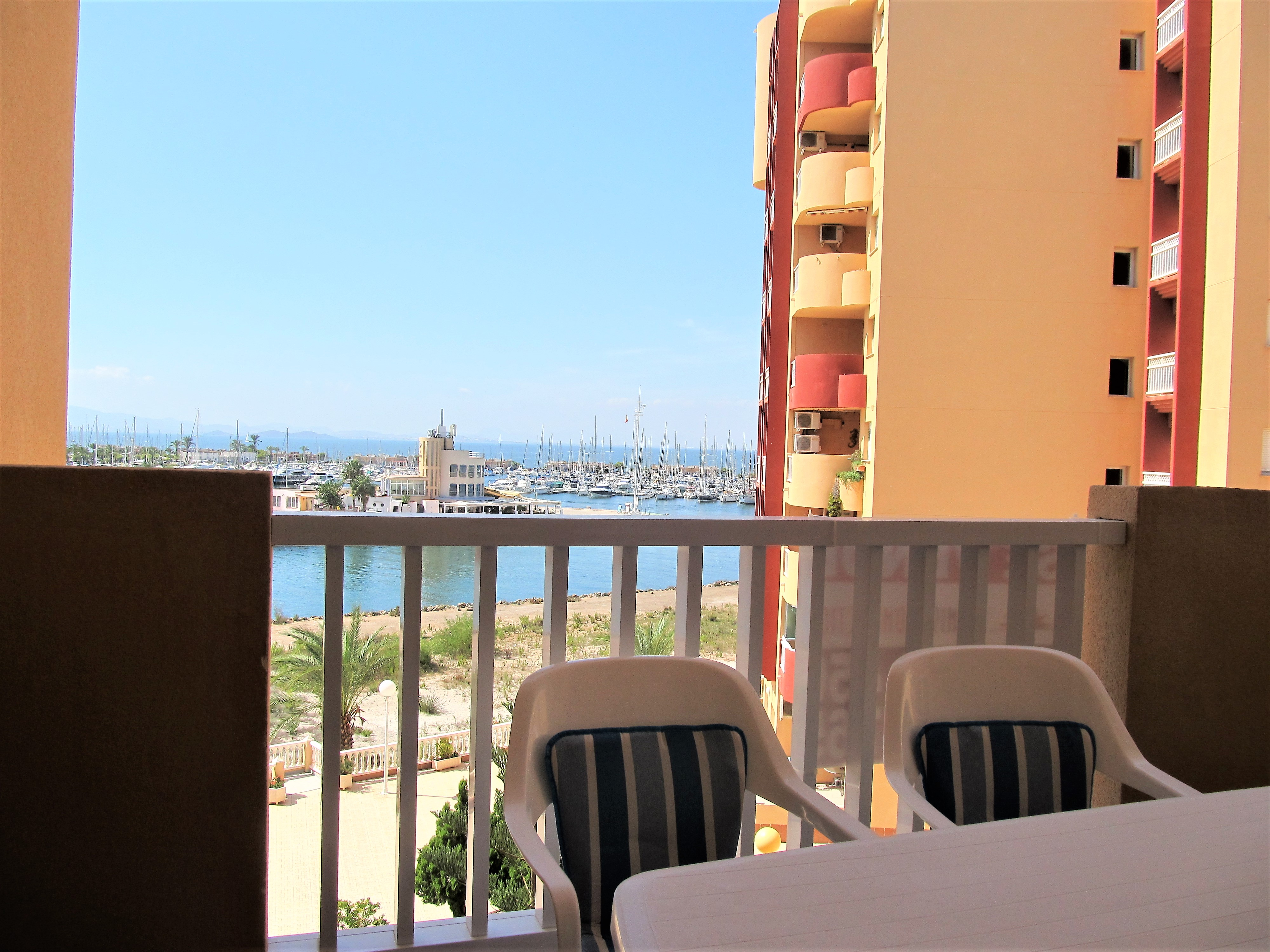 Apartment with good views to Tomás Maestre Marina!