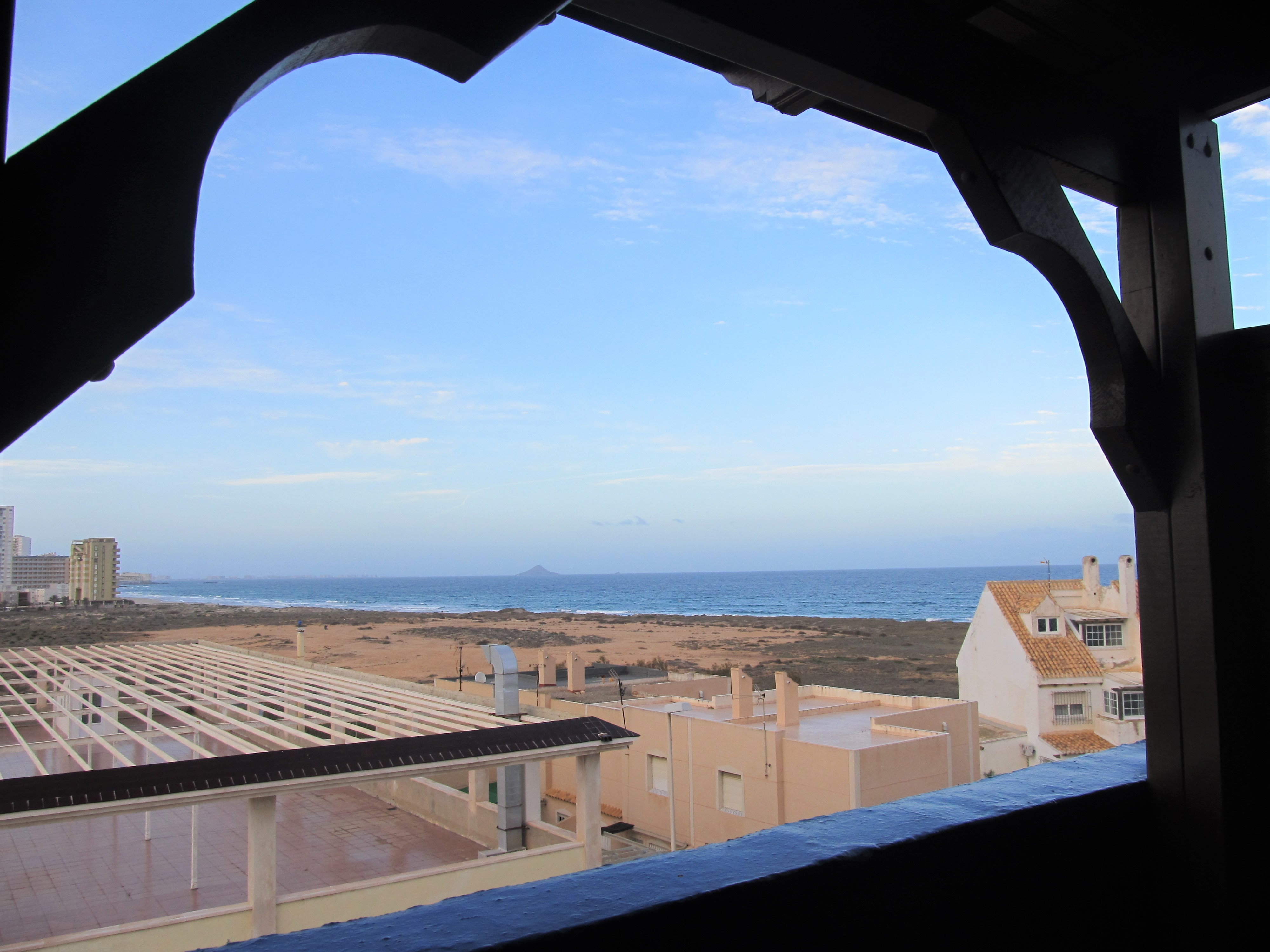 Top floor apartment with privileged views and a parking space!