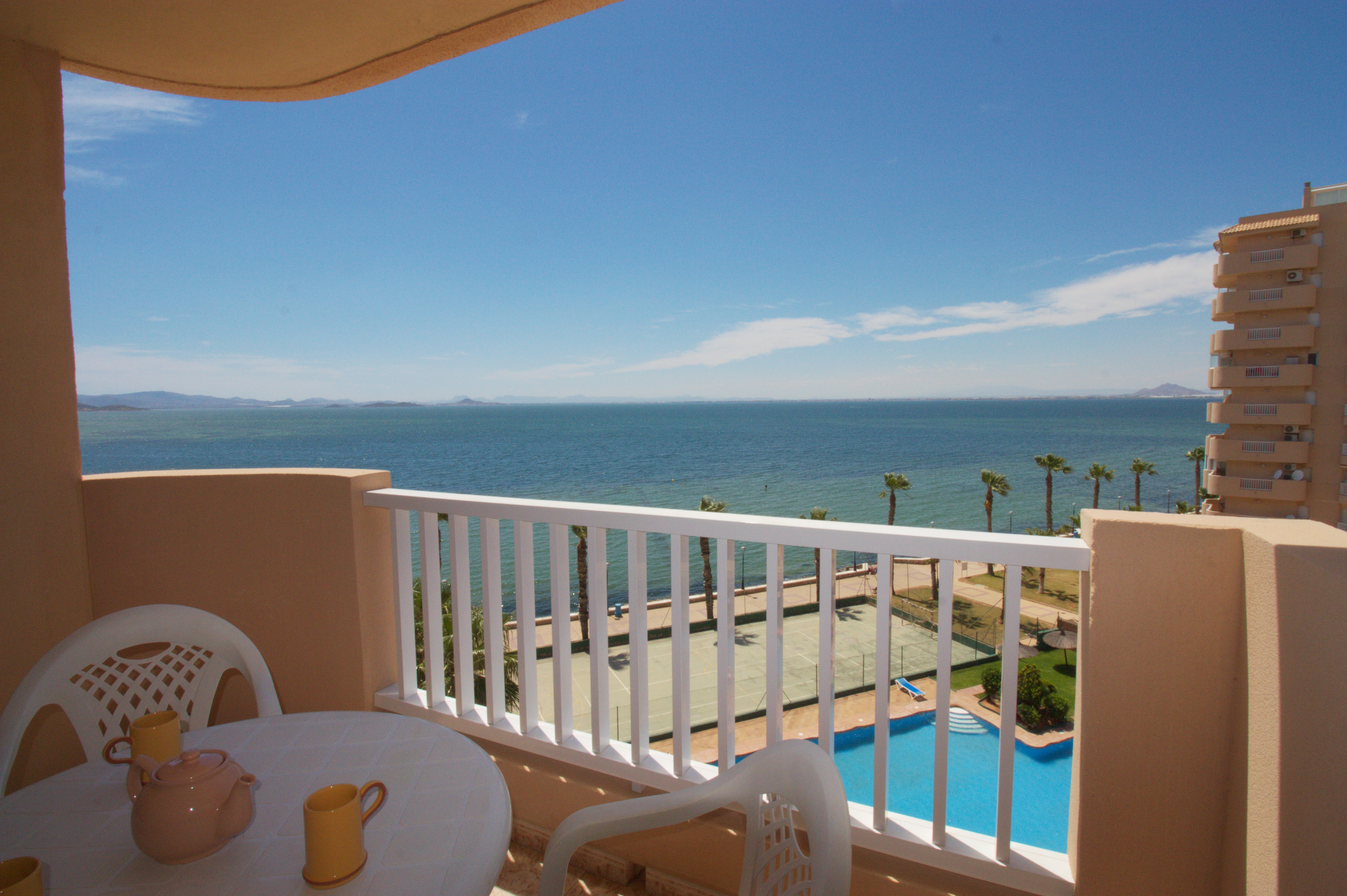 One-bedroom with lovely views to the Mar Menor