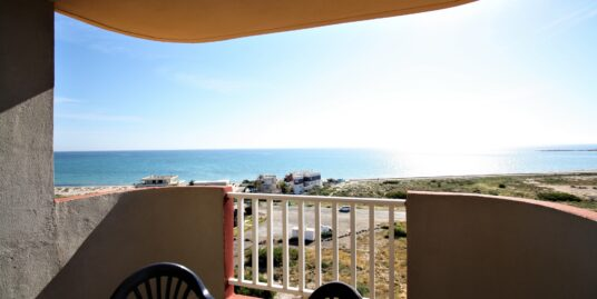 Lovely one-bedroom apartment with sea views