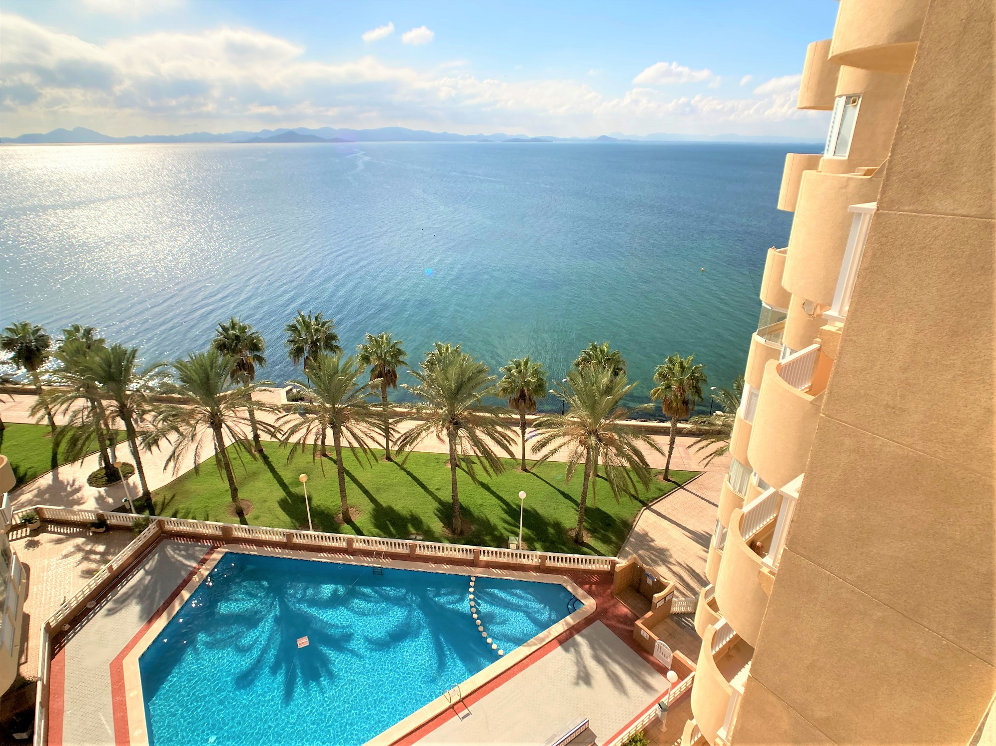 Frontline to the Mar Menor one-bedroom apartment